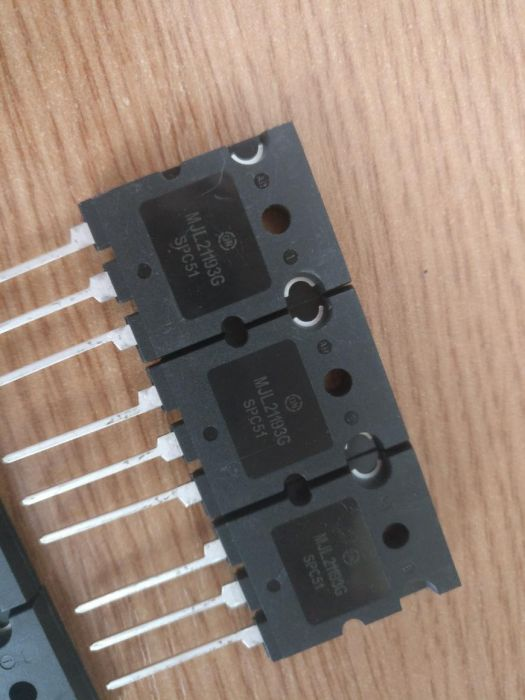 160201687_3_1000x700_tranzistori-bipolari-mjl21193-4-alte-aparate-electronice.jpg.4efcfc4db38c7b05ff8e537a62e6079e.jpg
