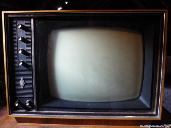 televizor-cu-lampi.jpg